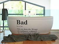 Wandtattoo Begriff Erklärung Bad auf hellem Hintergrund
