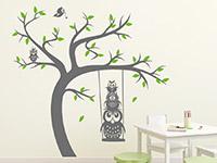 Wandtattoo Baum mit Schaukel und Eulen im Kinderzimmer