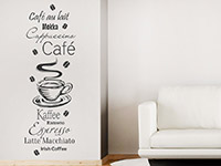 Wandtattoo Kaffee Spezialitäten mit Kaffeebohnen im Wohnzimmer