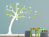 Wandtattoo Sternenbaum im Kinderzimmer auf farbiger Wand