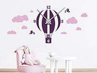 Wandtattoo Uhr Heißluftballon im Kinderzimmer
