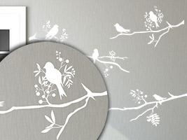 wandtattoo auf tapete anbringen anleitung tipps. Black Bedroom Furniture Sets. Home Design Ideas