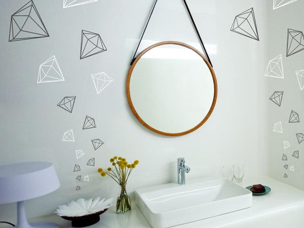 wandtattoo um spiegel ideen mit wandtattoos spiegeln. Black Bedroom Furniture Sets. Home Design Ideas