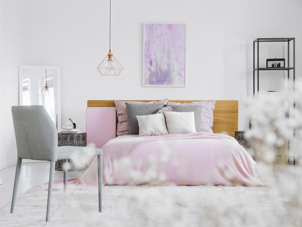 Helle Momente   Violett, Grau Und Weiß Im Schlafzimmer