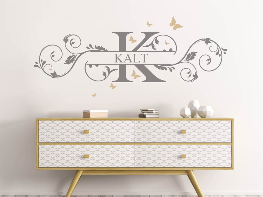 wandtattoo kalt nachname als monogramm t rschild oder familienwappen. Black Bedroom Furniture Sets. Home Design Ideas