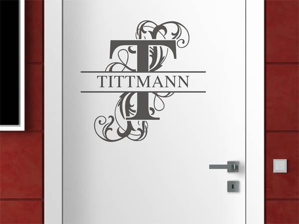 wandtattoo tittmann als monogramm t rschild oder familienwappen. Black Bedroom Furniture Sets. Home Design Ideas