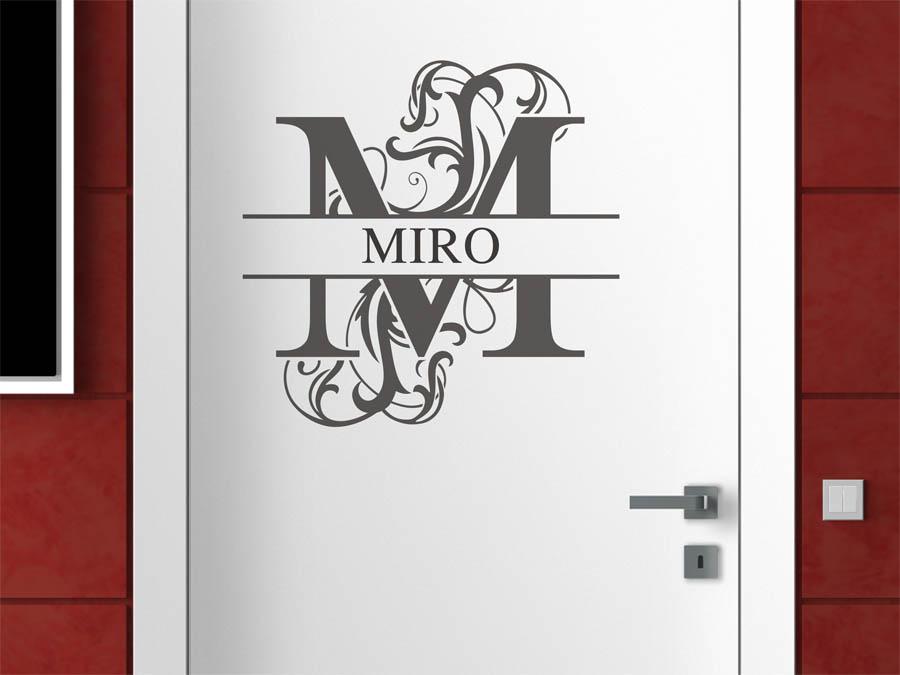 wandtattoo miro als namensschild monogramm oder verschn rkelte schrift. Black Bedroom Furniture Sets. Home Design Ideas