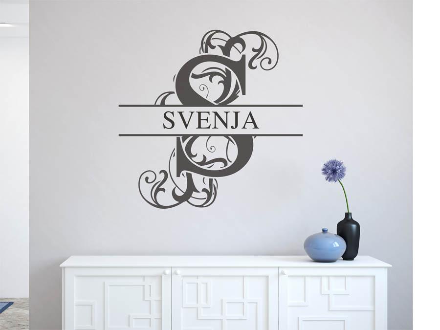 wandtattoo svenja als namensschild monogramm oder verschn rkelte schrift. Black Bedroom Furniture Sets. Home Design Ideas
