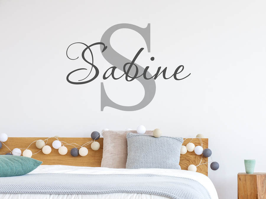 wandtattoo sabine als namensschild monogramm oder verschn rkelte schrift. Black Bedroom Furniture Sets. Home Design Ideas